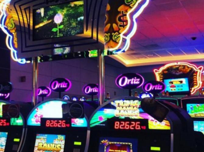 Выставили из казино игровые автоматы лотерея