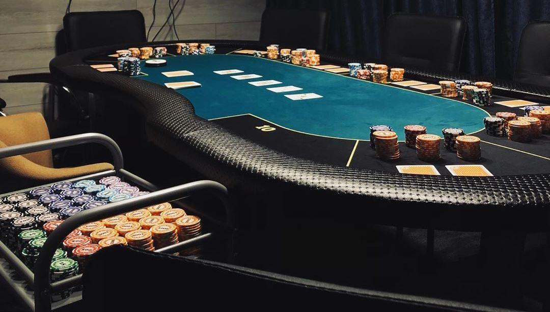 В какой онлайн покер можно играть в россии casino making money online